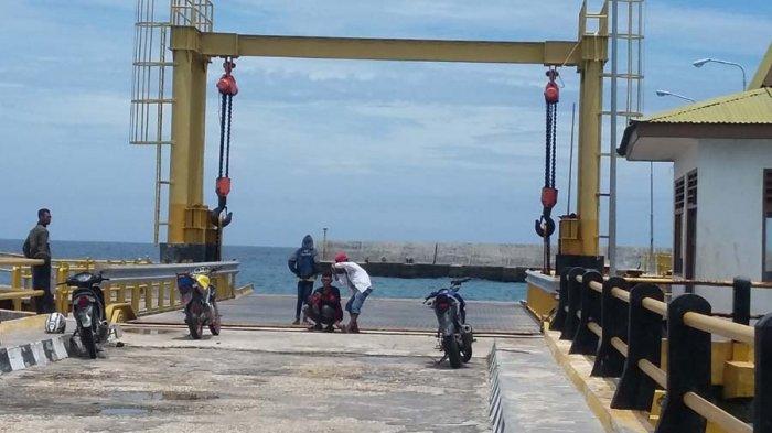 Warga Mendesak Pemerintah Segera Operasikan Pelabuhan Feri SBD
