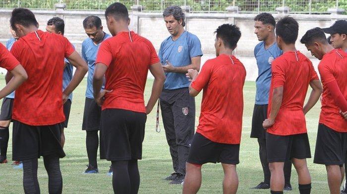 Latihan rutin tim Bali United di pimpin langsung coach Teco