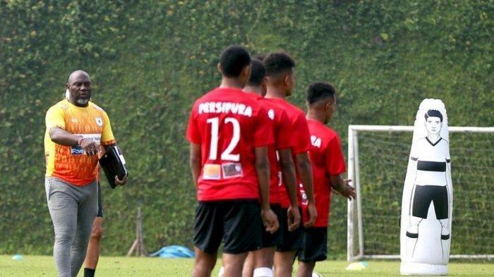 Setelah Menang  Persik Kediri, Pelatih Jacksen F Thiago Coret 1 Pemain Persipura Jayapura