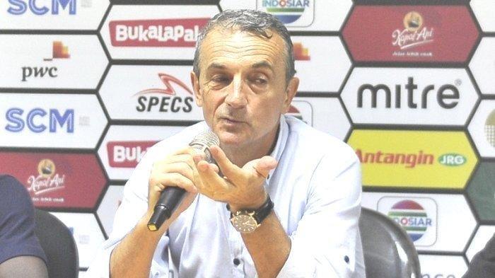 Pelatih PSM Makassar Milomir Seslija Puji Cara Bertahan Arema FC Pasca Imbang 1-1 di Liga 1