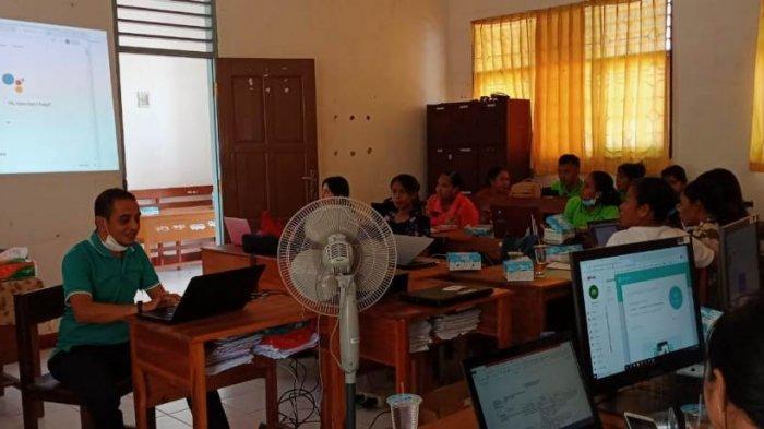New Normal: SMP Negeri 19 Kupang Beri Pelatihan Bagi Guru