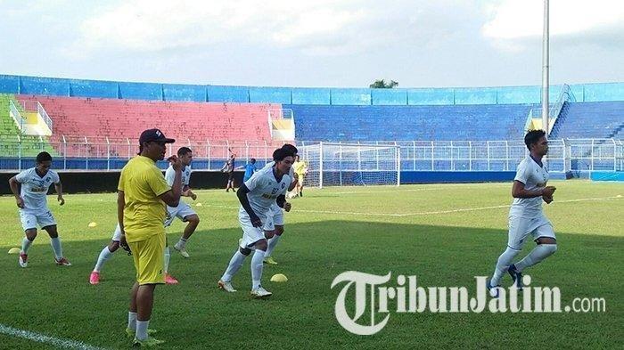 Jelang Liga 1, Stok Gelandang Menumpuk, Arema FC Masih Terus Berburu Amunisi Anyar