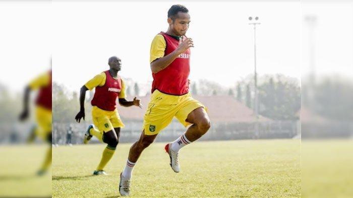 Foto Istimewa Pemain Persebaya Surabaya saat berlatih di Stadion Jenggolo, Kabupaten Sidoarjo.