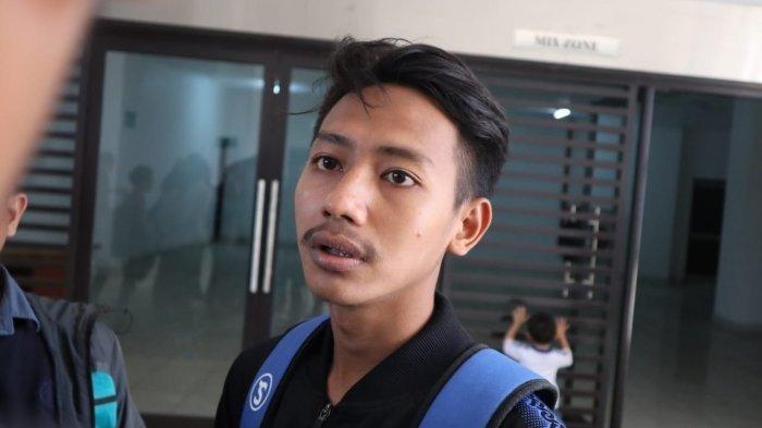 Beckham Putra Nugraha, pemain muda Persib Bandung, menyambut baik rencana PT LIB untuk menggratiskan vaksin Covid-19 buat para pemain dan pelatih.