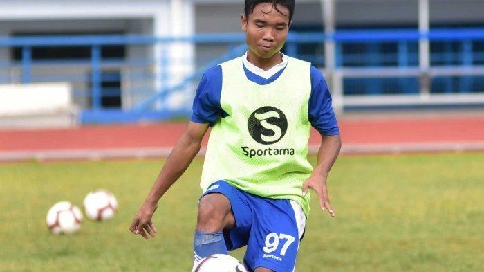 Bek Persib Bandung, Mario Jardel, sedang berlatih bersama skuad Maung Bandung.