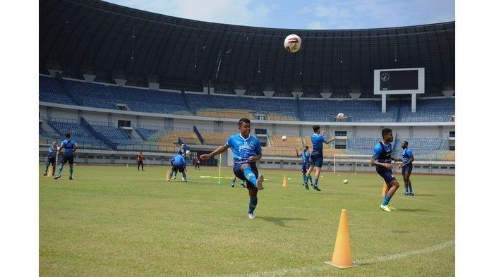 Persib Maung Bandung Mulai Latihan Bersama Gunakan Stadion Gelora Bandung Lautan Api Usai Lebaran