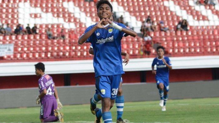 Liga 1 Indonesia Belum ada Kepastian, Pemain Muda Persib Bandung Bantu Ibu Jualan Seblak, INFO
