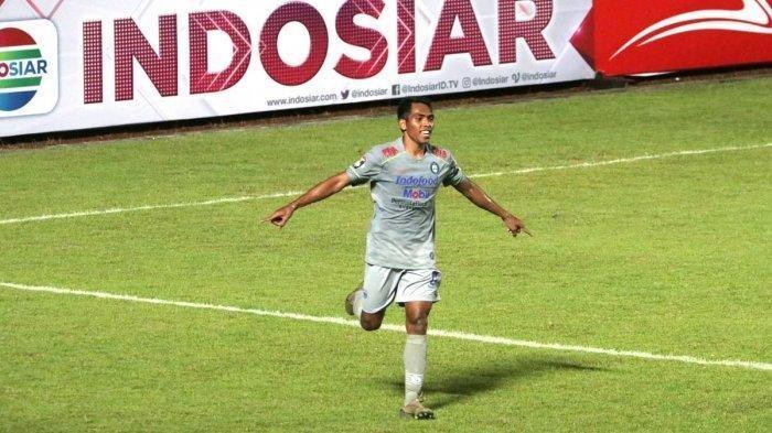 Selebrasi Frets Butuan di laga Persib Bandung vs Persita Tangerang di Stadion Maguwoharjo, Senin (29/3/2021).