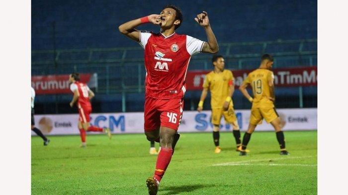 Osvaldo Haay menciptakan gol lewat sundulan umpan tendangan bebas dari Riko Simanjuntak yang menyamakan skor jadi 1-1 lawan Bhayangkara Solo FC