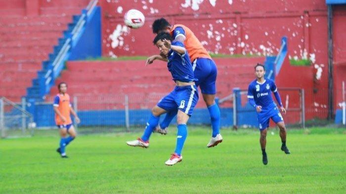 Info Sport : Tim Persipura Mutiara Hitam Sempat Hiruk Pikuk Hadapi Taktik Baru  Persik Kediri