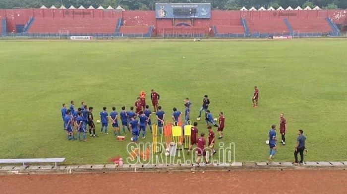 Kalah Tipis Skor 2-1, Pelatih Persik Kediri Ungkap Alasan Kekalahan dari Persipura Jayapura