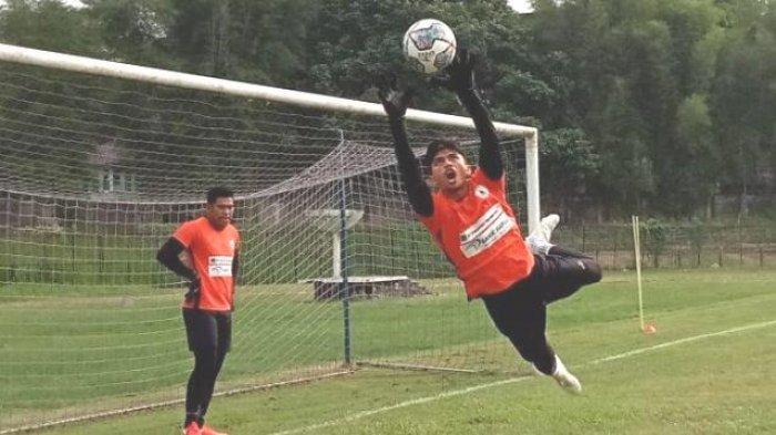 Pelatih Mutiara Hitam Persipura Jacksen Heran Anak Asuh Mainkan Bola Atas Dihancurkan Arema FC