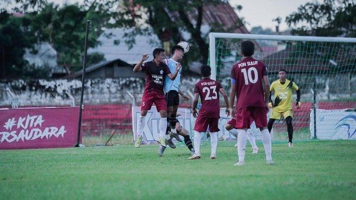 Laga uji coba Sulut United vs Tim Pon Sulut di Stadion Klabat Manado, akhir pekan lalu.