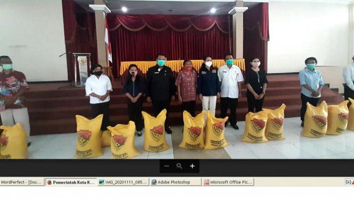 Pemkot Kupang Salurkan Bansos JPS Dampak Covid Tahap II