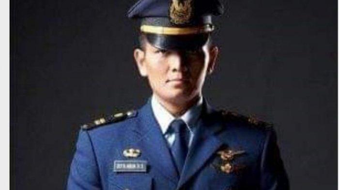Putra Asli Maumere Penerbang TNI AU Terbangkan Pesawat Kepresidenan, Bawa Jokowi Sumba &Sikka;