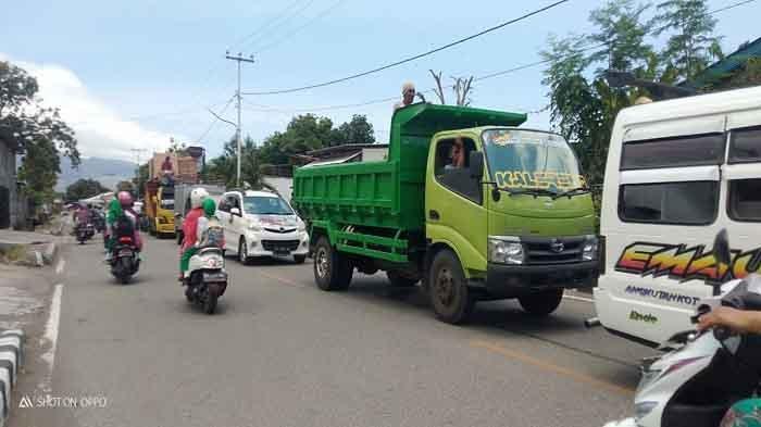 Pengendara Ende Uji Kir di Kabupaten Tetangga