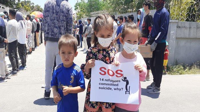Pengungsi Afganistan di Kupang Kembali Gelar Demo di Depan Kantor IOM Kupang