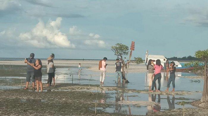 TRIBUN WIKI : Selain Sunset, Pantai Walakiri di Sumba Timur Selalu Jadi Spot Foto