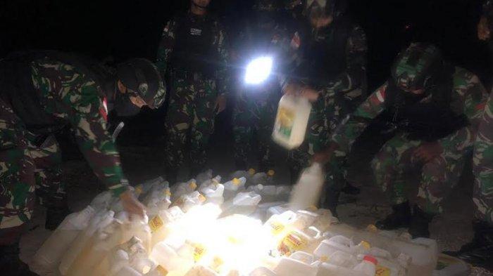 Satgas Yonif 744/SYB Gagalkan Penyelundupan BBM di Pantai Atapupu