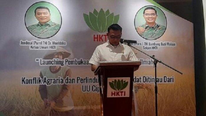Kepala Staf Kepresidenan Moeldoko meresmikan LBH HKTI