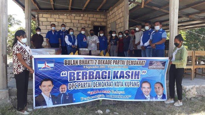 Peringati HUT ke 20, DPC Demokrat Kota Kupang Berbagi Kasih