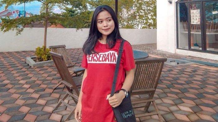 Perempuan Bonita Asal Sumatera Barat Secara Langsung ke Stadion Dukung Persebaya