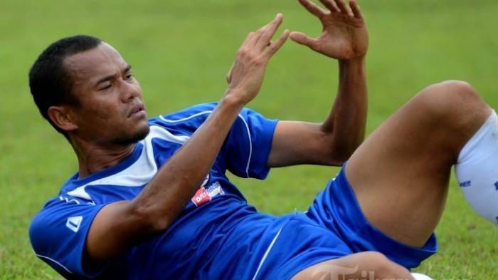 Setahun Kompetisi Sepak Bola Indonesia Terhenti Pandemi Covid-19, Pemain Persib Bandung Sedih INFO