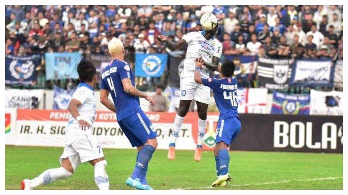 Kekhawatiran Pelatih Persib Bandung Robert Alberts terkait Ezechiel dan Mihelic saat Hadapi Barito