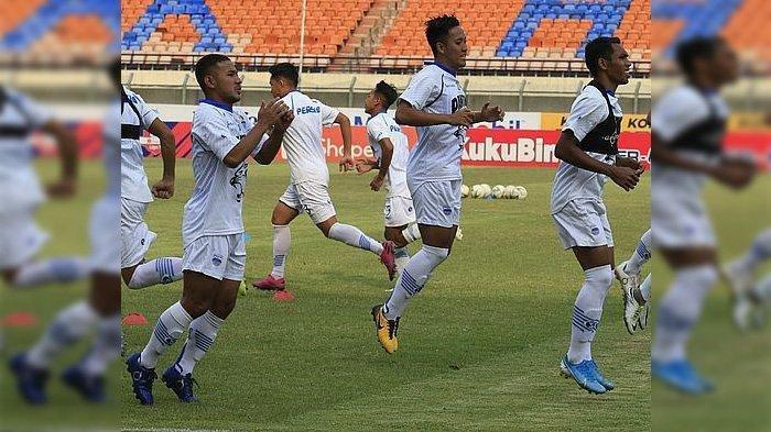 Persib Bandung kedatangan tiga tenaga baru menjelang pertandingan menghadapi Barito Putera di Stadion Si Jalak Harupat, Minggu (24/11/2019).
