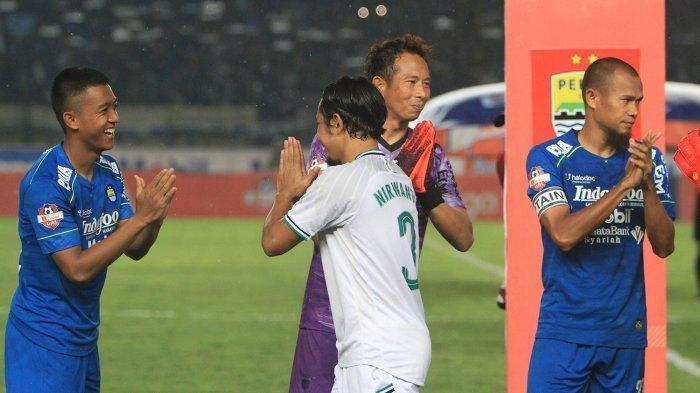 Laga Persib Bandung vs PSS Sleman.