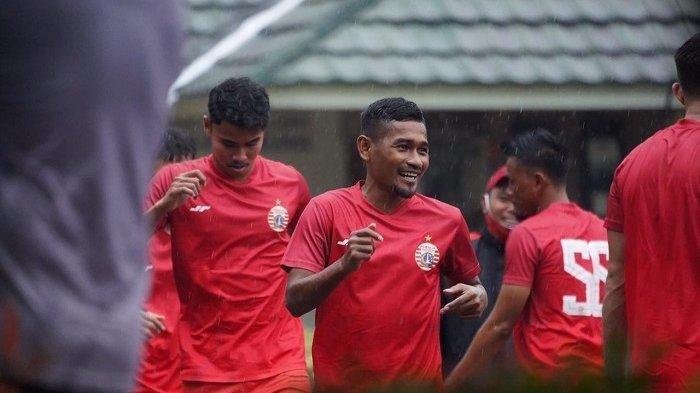 Latihan perdana Persija Jakarta untuk menghadapi Piala Menpora 2021.