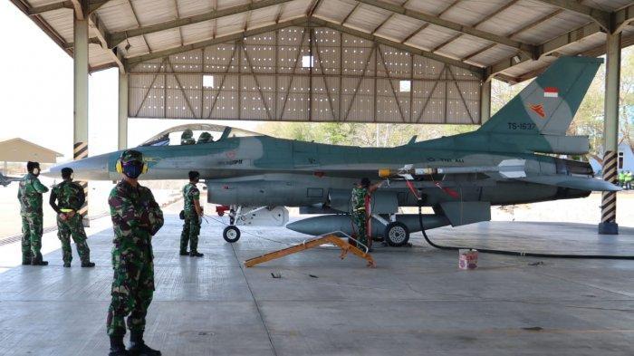 Pesawat Tempur F16  di hanggar pesawat siap dalam Operasi Lintas Panah 2020 di Lanud El Tari Kupang pada Selasa (15/9/2020) pagi.