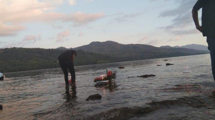 SEMANA SANTA: Korban Tragedi Selat  Gonzalu Diperingati  Peziarah  di   Pantai  Kota