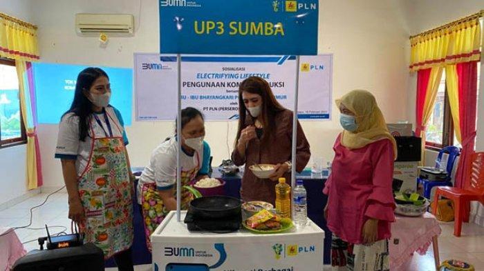 PLN UP3 Sumba Sosialisasi Aplikasi PLN Mobile kepada Ibu Bhayangkari Sumba Timur