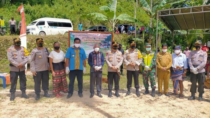 Plh Bupati Sumba Barat Sambut Kapolda NTT Berkunjung Ke Kampung Tangguh Nusantara Wee Oraka Loli