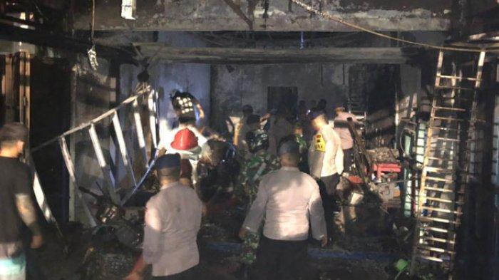 Polres Mabar Olah TKP Kasus Kebakaran Toko Penjualan Mesin dan Suku Cadang Kapal di Labuan Bajo