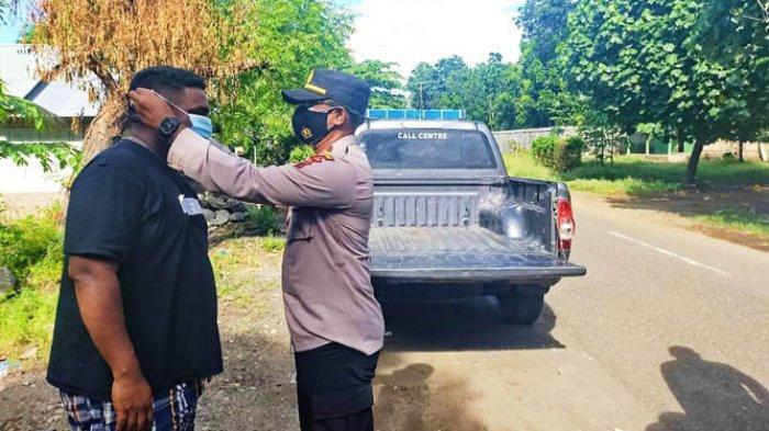 Polsek Aimere Gelar Operasi Penertiban dan Pembagian Masker