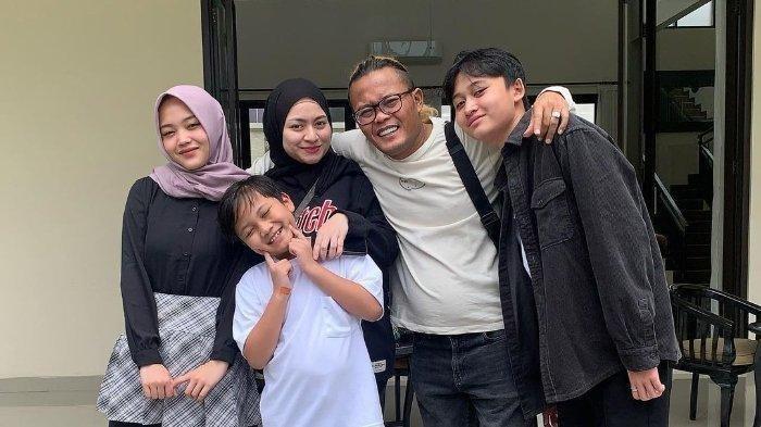 Potret Keluarga Sule dan Nathalie Holscher Liburan di Villa Mewah di Puncak, Rizky Febian Tak Nampak