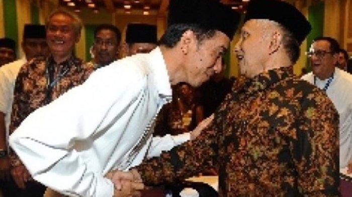 Amien Rais Tak Mau Presiden Jokowi Turun Di Tengah Jalan. Lho?