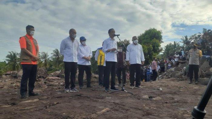 Ini yang disampaikan Presiden Jokowi Usai Meninjau Lokasi Banjir Bandang di Adonara