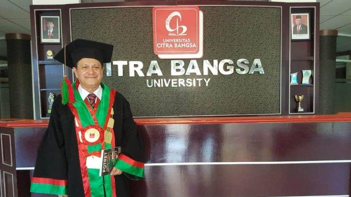 Tamu Kita: Prof. Dr. Frans Salesman: Profesor Ilmu Kesmas Pertama di NTT