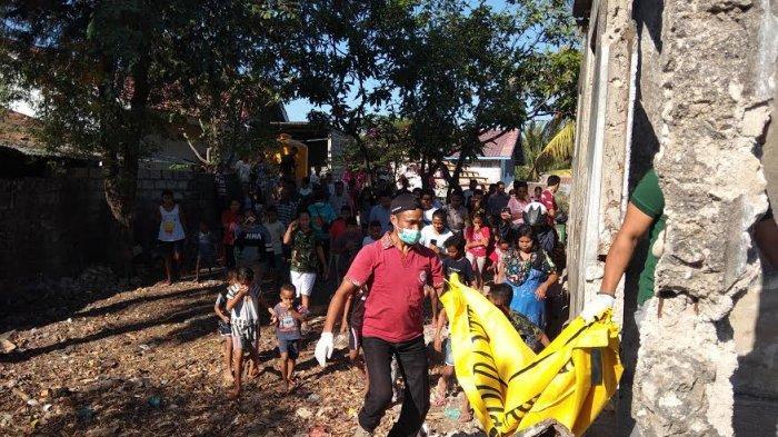 Polisi Evakuasi Mayat Bayi ke RSB Drs Titus Ully