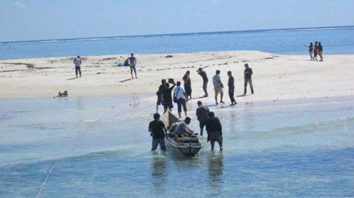 Inilah Pulau Meko di ujung timur Pulau Adonara, Flores Timur.
