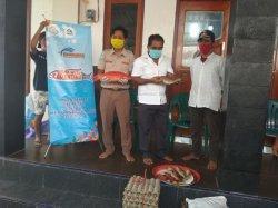 Puluhan Paket Sembako Dari Julie Sutrisno Laiskodat Tersalur di Pulau Seraya Besar Labuan Bajo