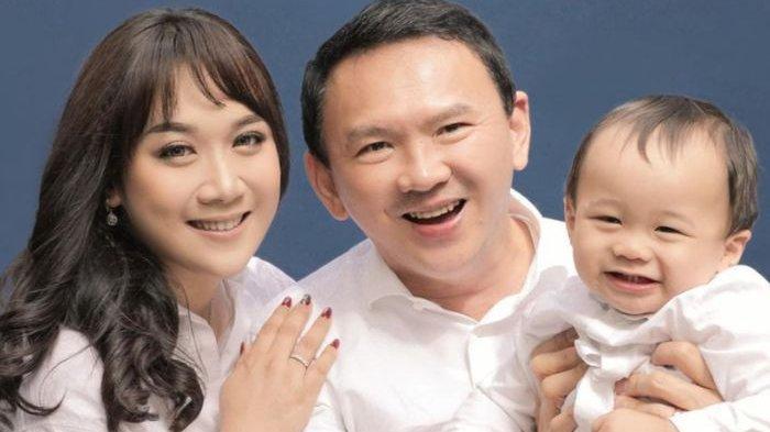 Puput Nastiti Devi Hamil Lagi?MakinCantik Saat Foto Bersama Suami & Mertua,Netizen Salfok ke Perut