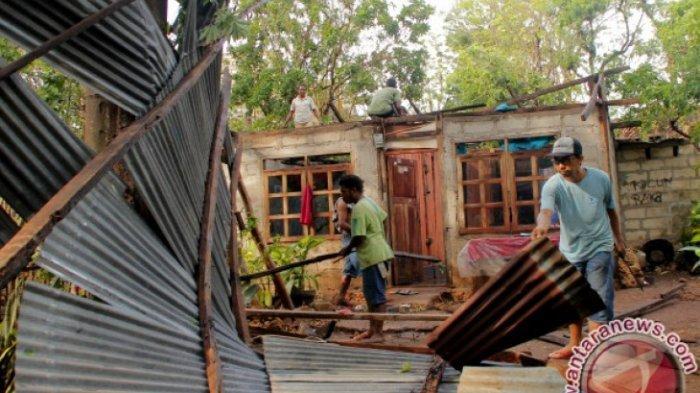 Dua SD di Kabupaten Kupang-NTT Rusak Berat akibat Diterjang Angin Puting Beliung