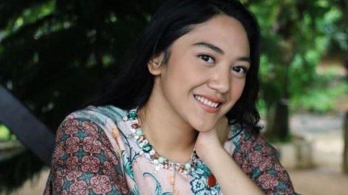 Putri Chairul Tanjung Terlahir dari Keluarga Konglomerat, Putri Tanjung Pria Biasa jadi Suami
