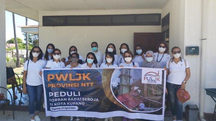 PWLJK NTT Berbagi Kasih untuk Perempuan Terdampak Bencana Seroja, Minggu 25 April 2021