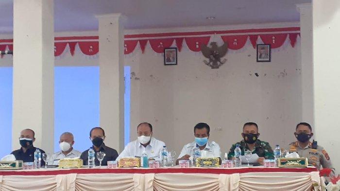 Cegah Penularan Virus Corona, Bupati Yohanis Dade, S.H Larang Warga Gelar Pesta