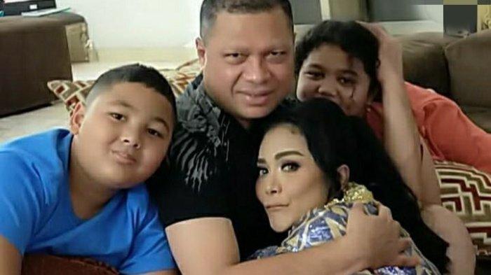 Raul Lemos bertemu Krisdayanti bersama anak-anak
